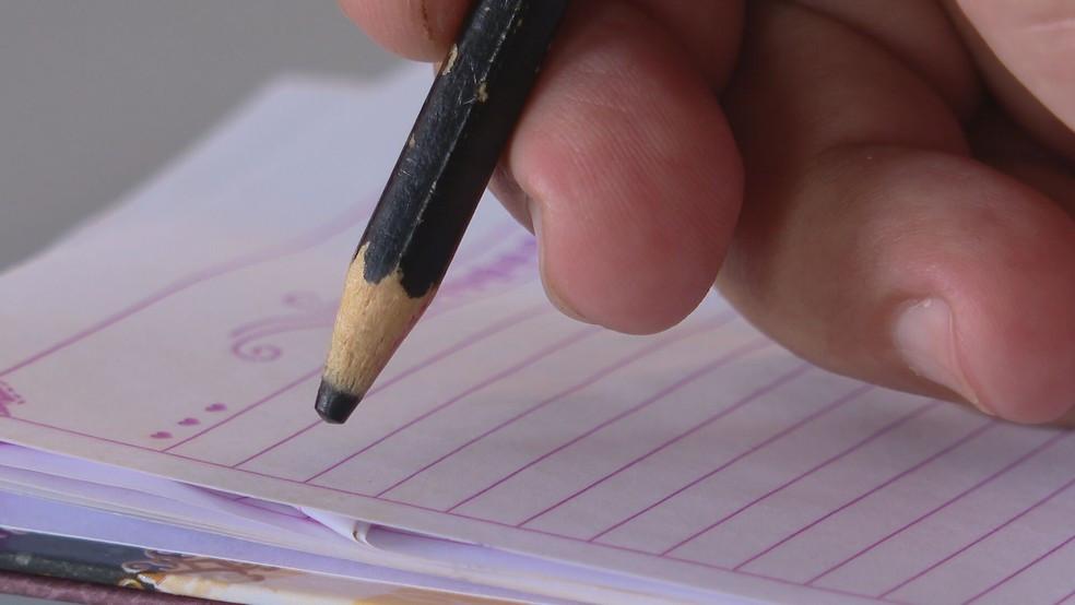 Cancelamento do Censo do IBGE pode deixar país 'no escuro' sobre número de crianças fora da escola e de analfabetos
